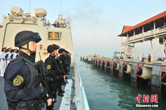 中国海军第十九批护航编队停靠马来西亚