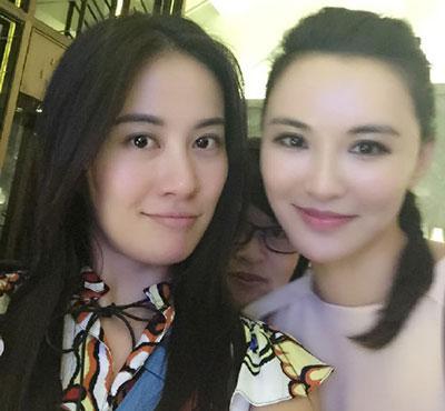 叶璇餐厅遭服务生侮辱:最低消费600给得起吗?
