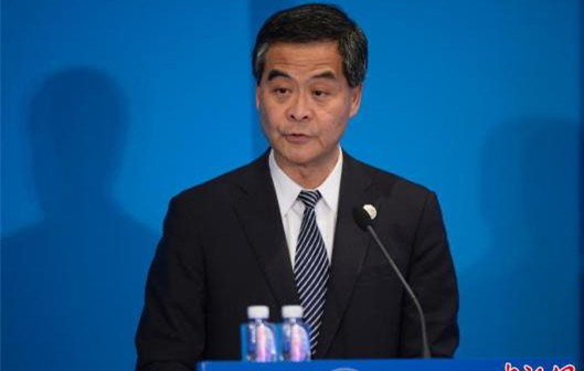 """梁振英:香港有""""一国""""和""""两制""""的双重优势"""