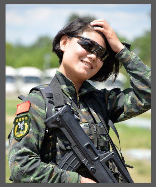 女兵的别样风华:让我的秀发拂过钢枪