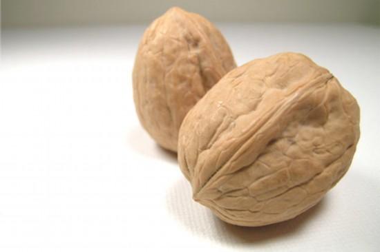补脑养生:核桃鸡蛋 大脑最爱5种滋补食物