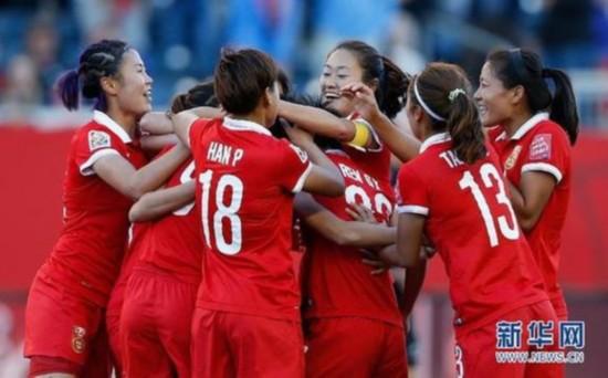 世界女足很缺钱 她们踢球只为爱