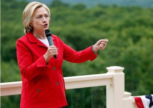 希拉裡在新罕布什爾州的競選活動中發表演講