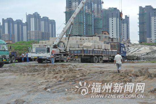 榕昨突击检查火车南站周边工地 4家企业防尘不力