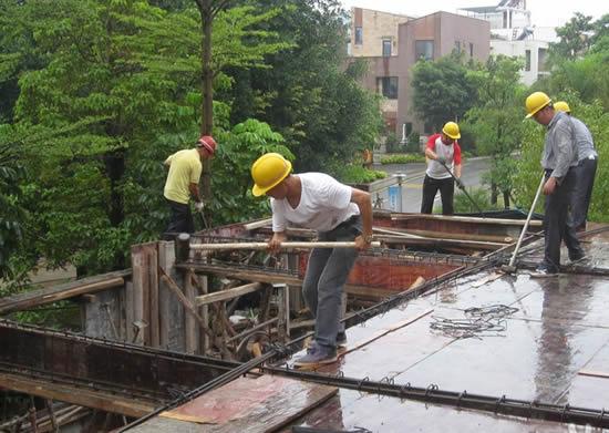 马尾拆除水岸君山林溪苑违建300平方米 已拆两