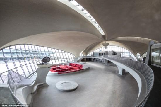 美国1962年建成超现实航站楼 如同外星球(图)