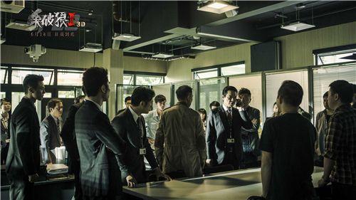 《杀破狼2》冲击6亿票房 十亿吴京再达巅峰