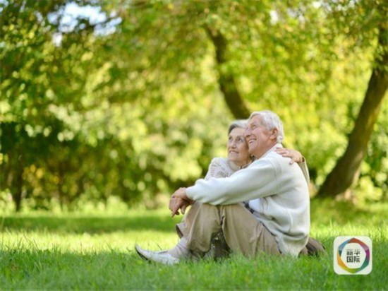 挪威92岁老太为爱出走 随87岁男友去瑞典