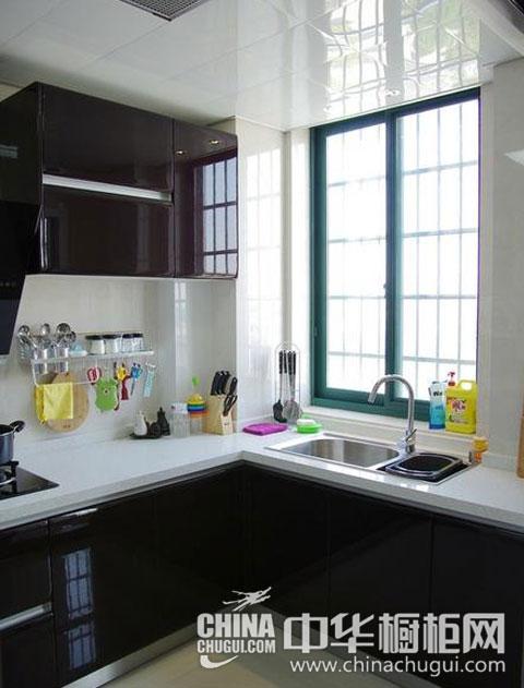 5平米櫥柜裝修案列 開辟小戶型廚房的別樣風景