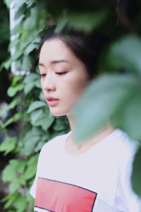 ...编织少女幻梦   近日北电小花彭豆豆曝光了一组风格清新的日...