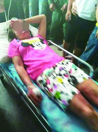 丈夫与一女子亲热逛街 妻子持刀捅伤该女子