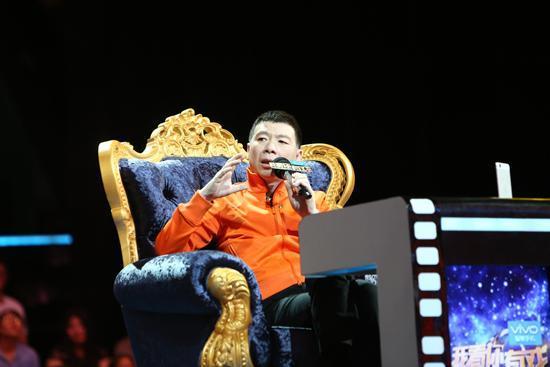 冯小刚在《有戏》谈起自己看《速激7》的经历。
