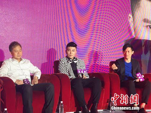 歌手杨鸣轩蛰伏4年回归乐坛发单曲《爱到不会爱》