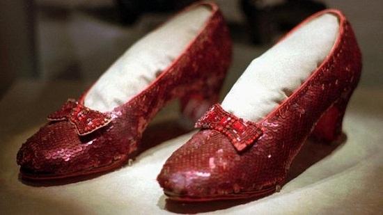 《绿野仙踪》红宝石鞋失窃影迷悬赏百万美元寻找
