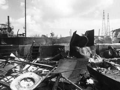 多部门昨强拆油脂厂厂房宿舍 同时断水断电