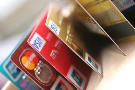 買賣銀行卡多用於詐騙洗錢卡販稱在銀行有路子