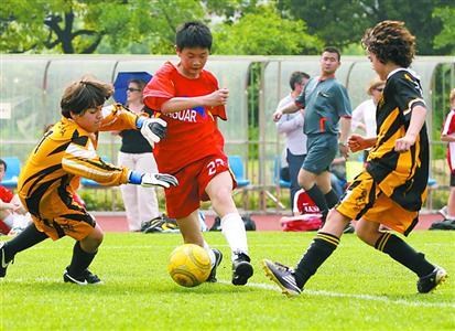 中外青少年足球发展差异多中国足球教师缺口大