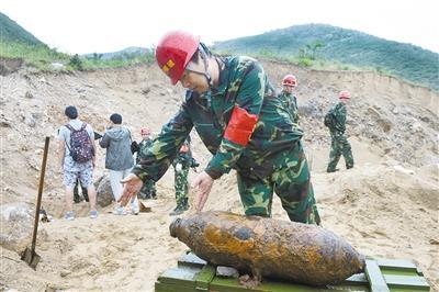 北京工地挖出200枚炮弹被销毁 多为抗战遗留(