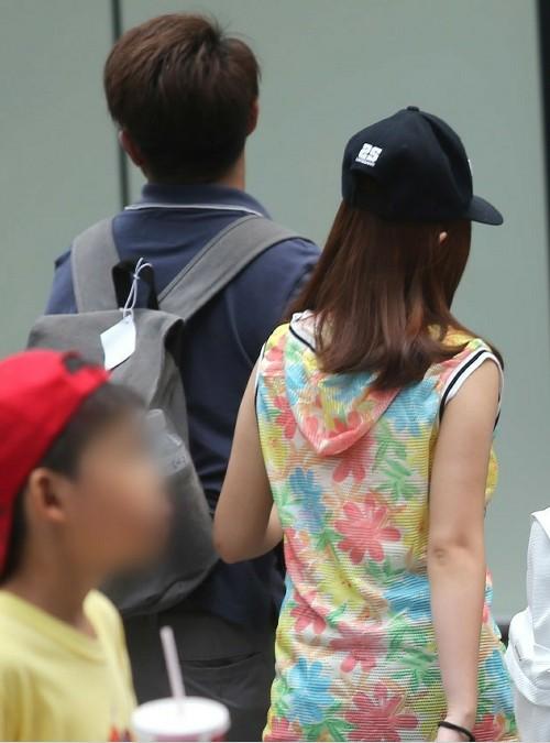 台湾一名小学五年级女生怀孕 同班小爸爸当场