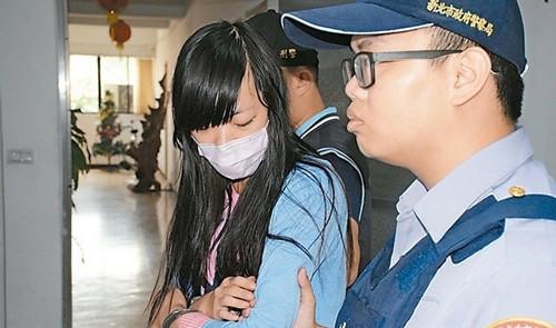台湾一女子疑因医师不开药连续殴打6人被捕(图)