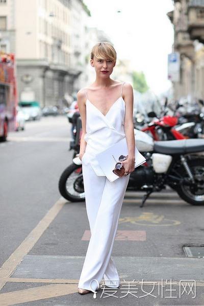 一衣多穿 超百搭白裤子每天不同LOOK