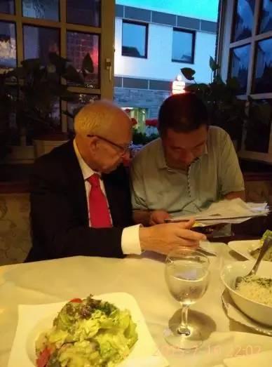 ...的几个实验室邀请老人家讲学和指导研究他很喜欢中国也愿意...
