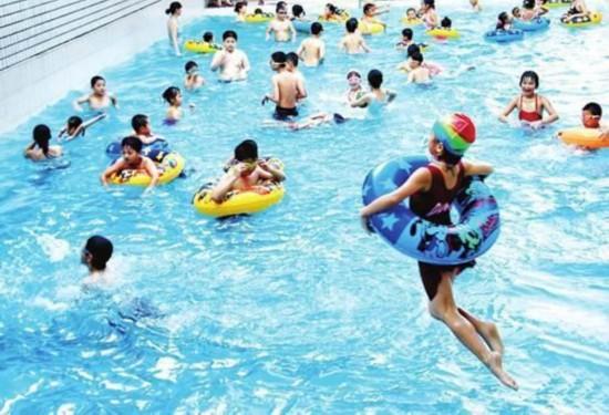 暑期儿童受伤猛增两成 儿童游泳安全问题受关注