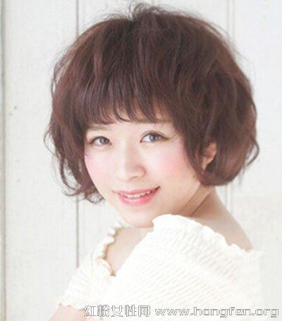 日系发型短发凸显女生风格烫发气质图片萌萌哒的扎发图片