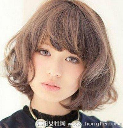 日系出路图片凸显女生风格烫发化工气质的女生发型短发学图片