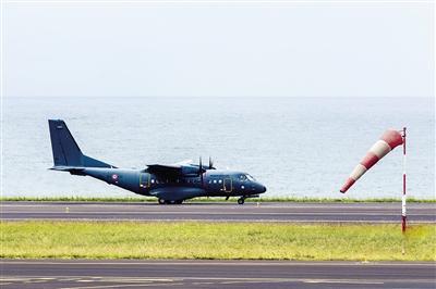 法国在留尼汪岛海陆空搜寻MH370残骸