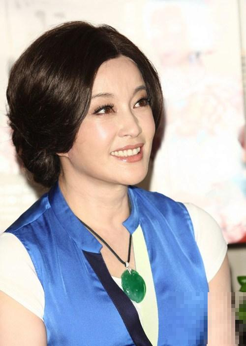 逆生长中年女星PK:许晴清纯赛少女 翁虹卖萌