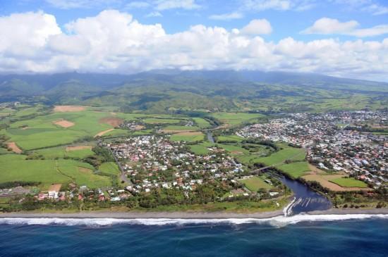 航拍法属留尼汪岛飞机残骸搜索海域
