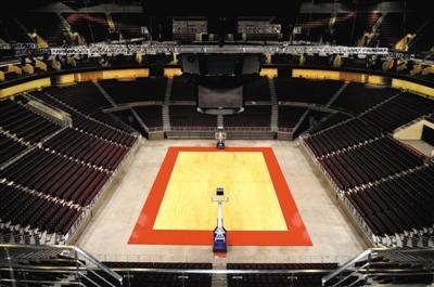 五棵松篮球馆将用于2022年北京冬奥会冰球比赛场馆。场馆相关改造计划已初步拟定,届时,场馆地面4小时内可变成冰面。