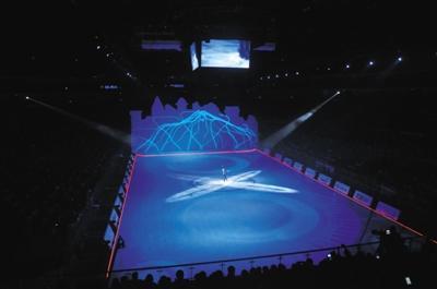 今年7月,五棵松篮球馆内举办了冰上雅姿巡演。