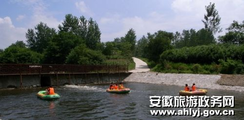 滁州明光市八岭湖旅游休闲度假项目一期建成试营业高清图片