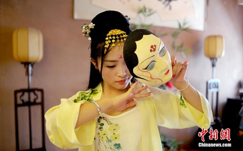 """""""七夕节""""不能称作""""情人节""""?学者:民众接纳即可"""