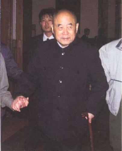 毛泽东晚年最信任十个人:警卫汪东兴在列(图)