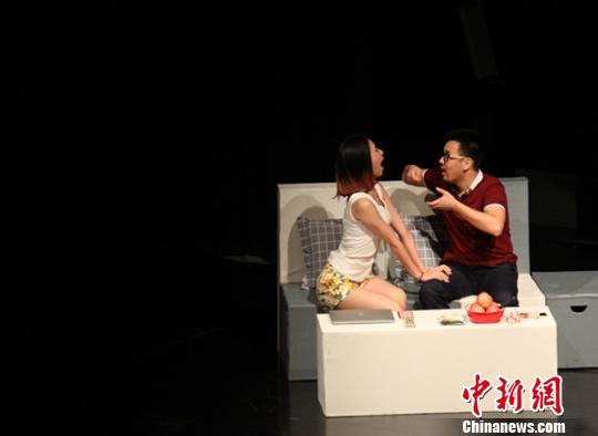 中韩话剧《两重门》济南成功首演创跨国艺术家合作新模式