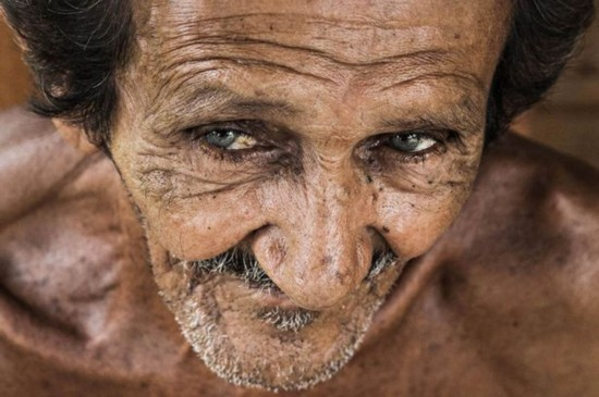 法国摄影师为越南人拍肖像照表现心灵之美【4】