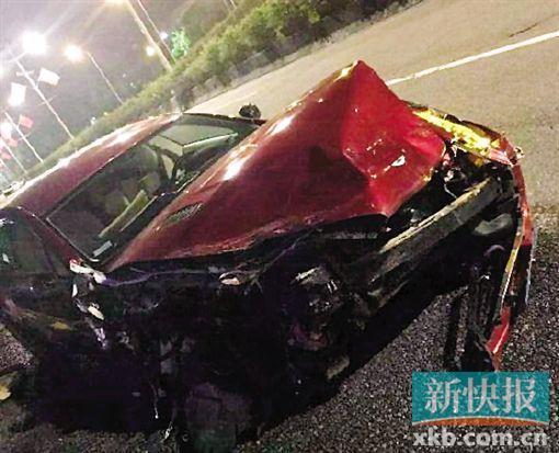 深圳一阿斯頓馬丁撞賓利 司機自首被拘(圖)
