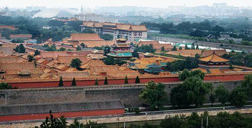 从景山眺望故宫博物院一角 王争 摄