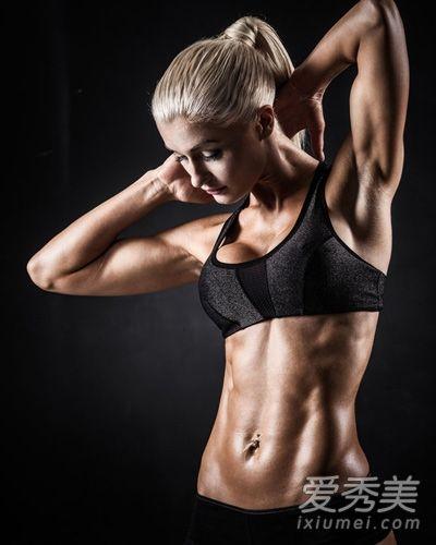 适合女生健身的8种器械训练 健身练出好形体