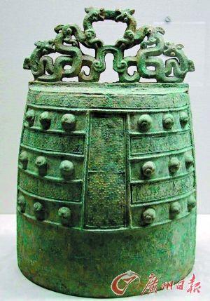 东京博物馆展出的战国时期、公元前5世纪蟠螭纹�D。