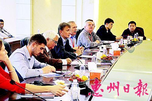 乌克兰国家科学院专家到访惠州学院。 资料图片