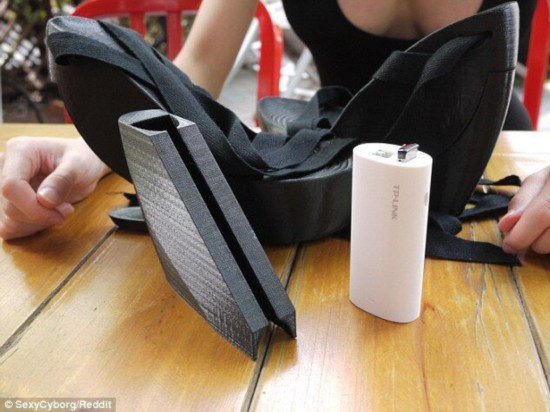 深圳女创客发明3D高跟鞋 内含无线网测试工具