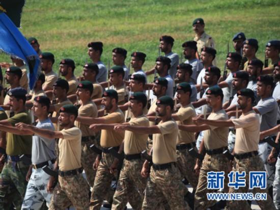 8月28日,巴基斯坦参阅方队在外军阅兵训练基地进行训练。新华社发(田丰摄)