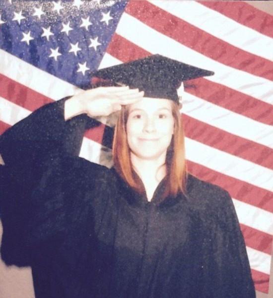 美女子为还贷款网上出售自己大学毕业证