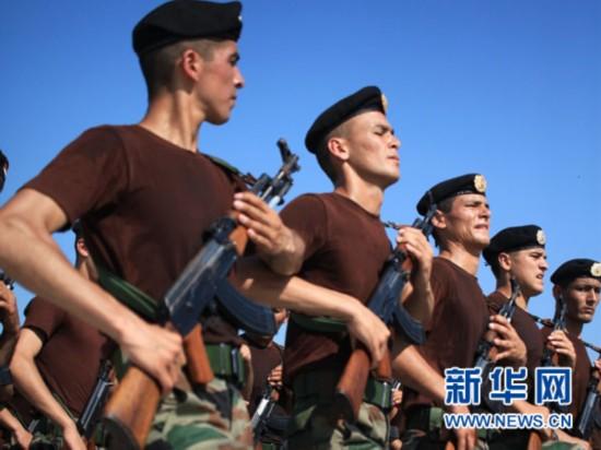 8月28日,塔吉克斯坦参阅方队在外军阅兵训练基地进行训练。新华社发(田丰摄)