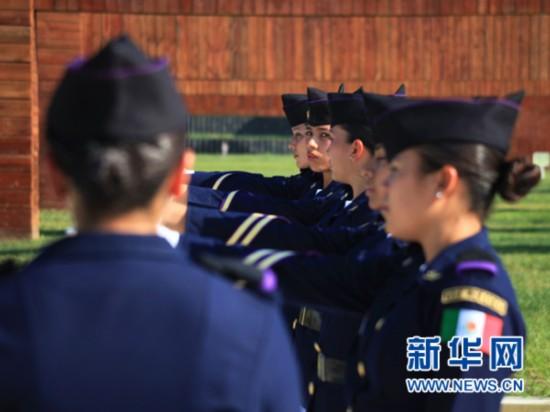 8月28日,墨西哥参阅方队在外军阅兵训练基地进行训练。新华社发(田丰摄)