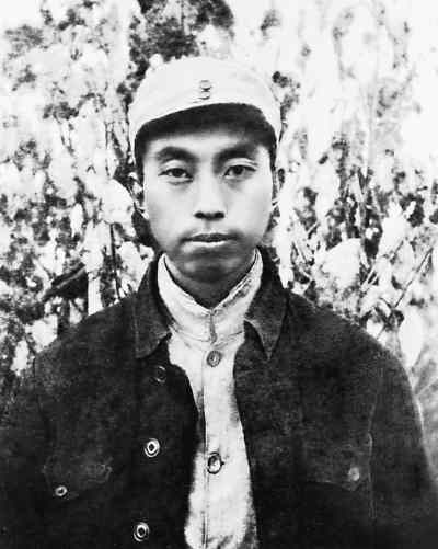 1941年,華國鋒在山西省交城縣關頭村(資料圖)
